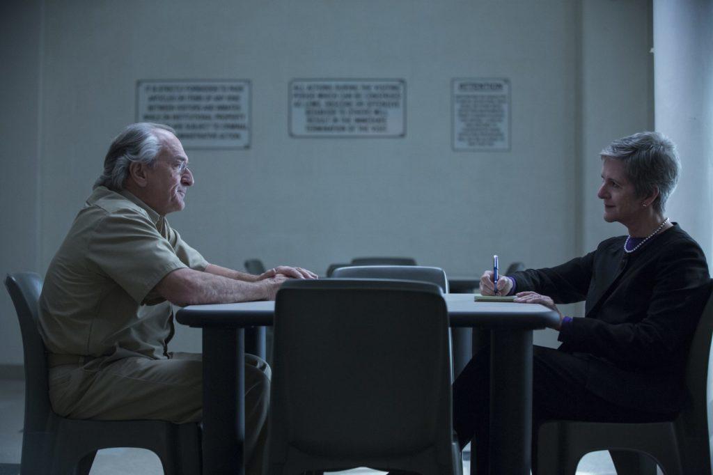 Escena Bernie Madoff y Diana B. Henriques