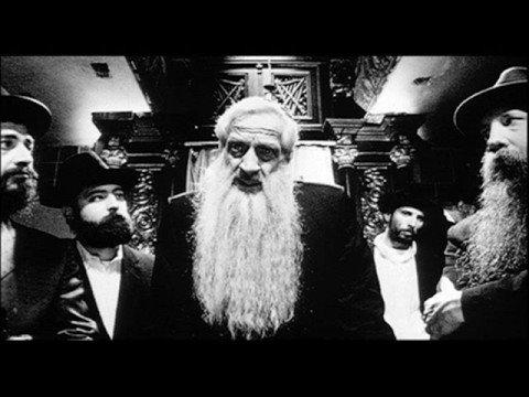 Pi, miembros de la secta judía Hasidica
