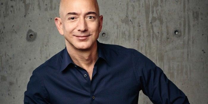 Jeff Bezos es el fundador y CEO de la empresa de comercio electrónico Amazon