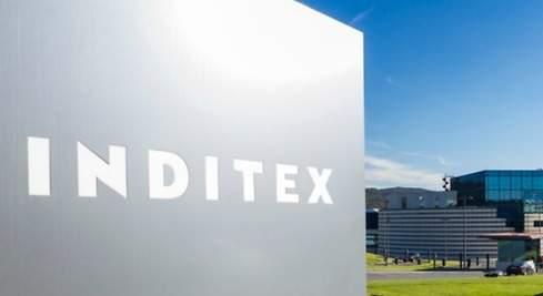 Cartel con logotipo corporativo de Inditex
