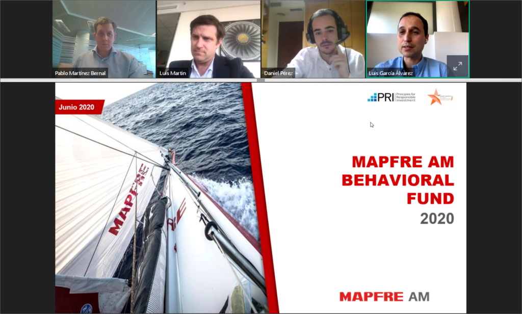Captura de pantalla de la presentación utilizada por Luis García de MAPFRE e imagen de los cuatro ponentes